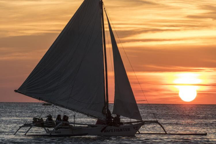 Sunset sailing YTTC200 Boracay